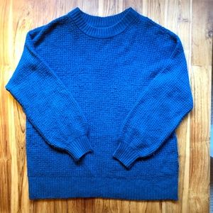 American Eagle Cloudspun Sweater Size Medium